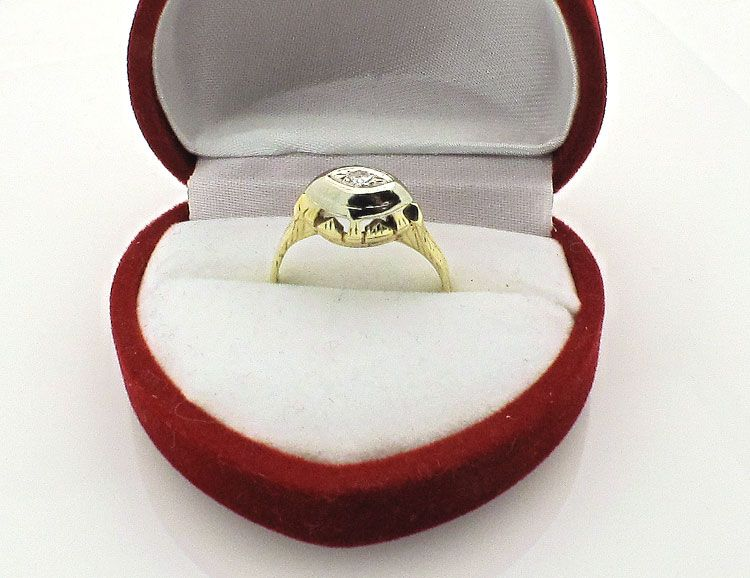 Art Deco Vintage 14k Yellow Gold Diamond Ring size 5.5